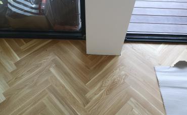 dubová podlaha Rybyna