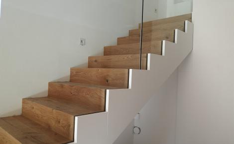 schody dub po ukpončení